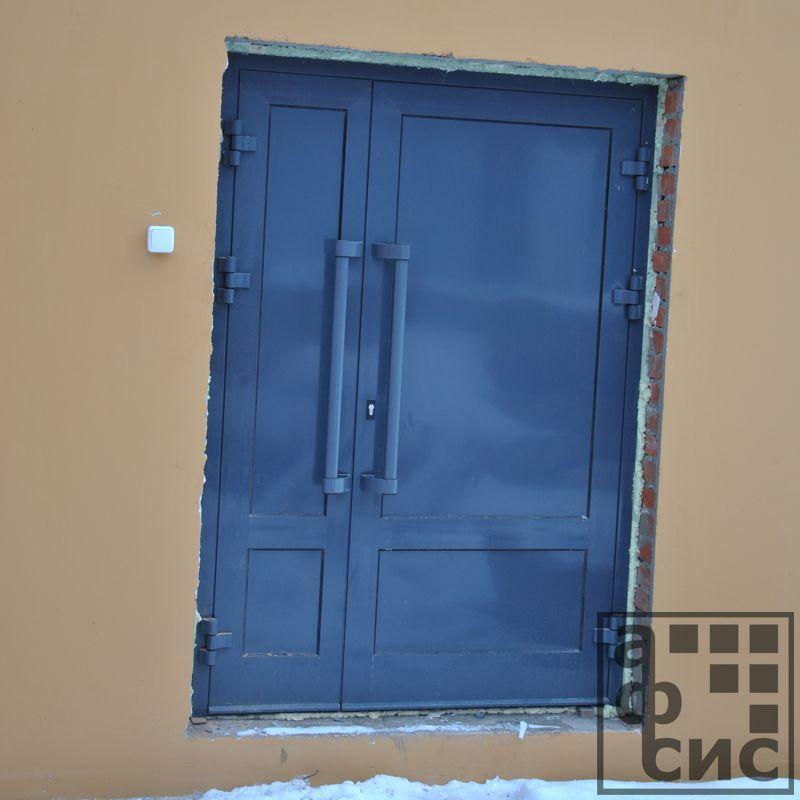 дверь из алюминиевого профиля глухая