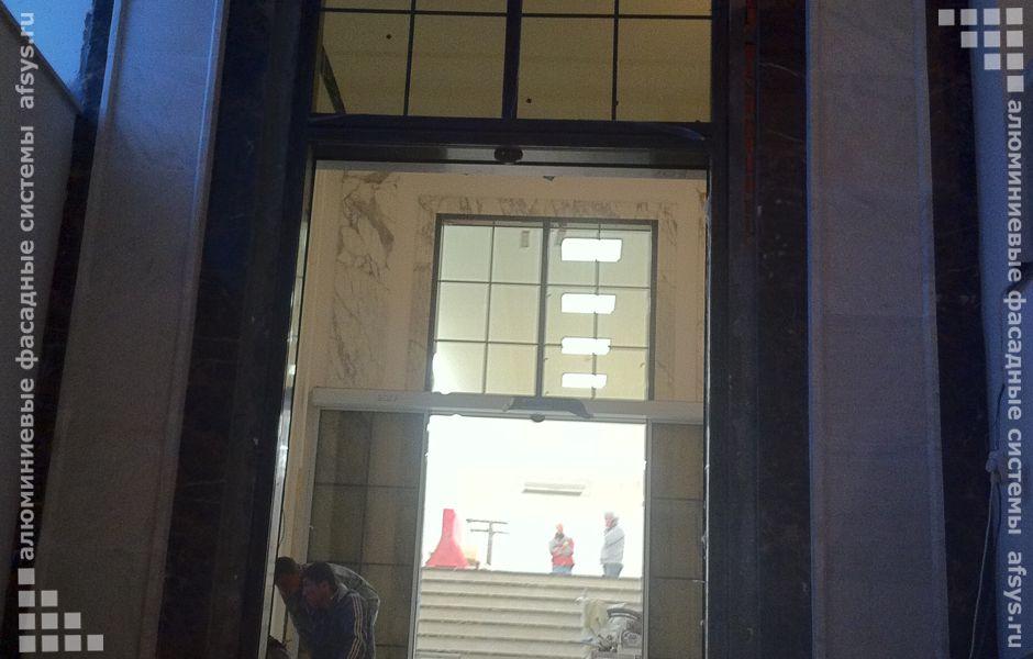 алюминиевая входная группа с автоматическим открыванием дверей
