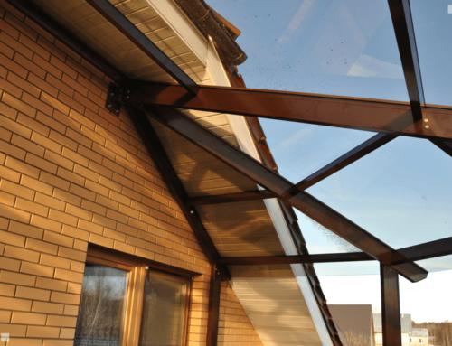Стеклянная крыша и ограждения террасы