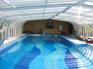 крытый бассейн в Москве