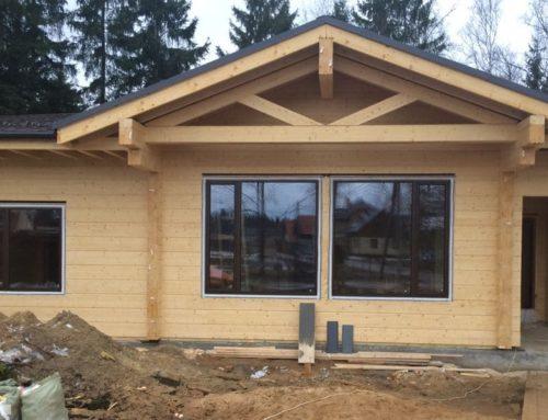 Установка алюминиевых окон и дверей в деревянном коттедже